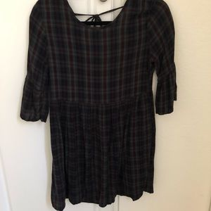 Dresses & Skirts - Plaid dress with tie open back and flared sleeves